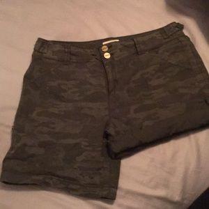 Sanctuary camo shorts.